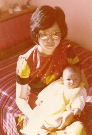 Pregnant mom 001