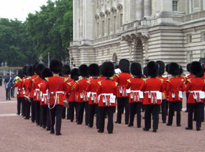 Changing_guards_2