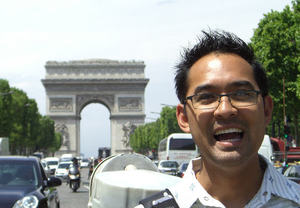 J_at_arc_de_triomphe