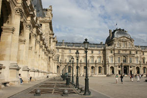 Louvre_square